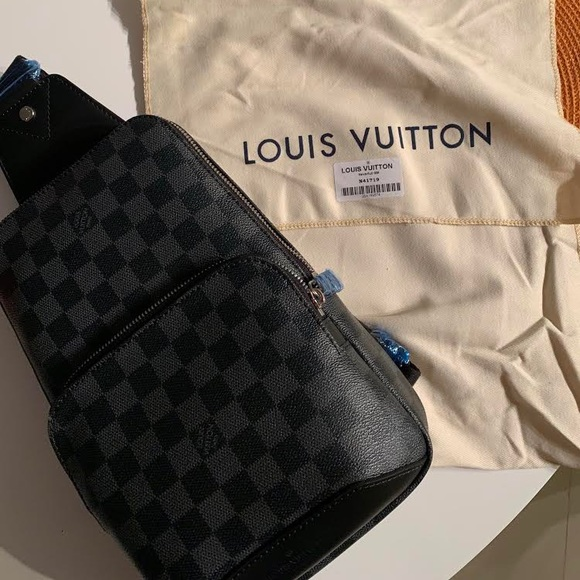 137c2ddce9d5 Louis Vuitton Other - Louis Vuitton Avenue Sling Bag Damier N41719